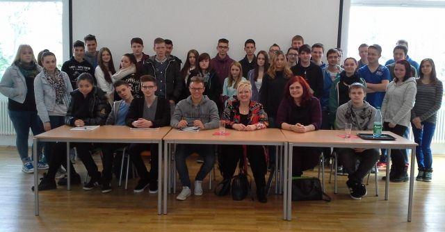 Abgeordnete Schäfer und Schellhammer zu Besuch in der Christian-Erbach-Realschule Plus in Gau-Algesheim